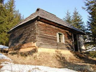 Jagdhütte im Rodnei Gebirge, Ausgangspunkt für Auerhahnjagd<small>&copy H. R.</small>